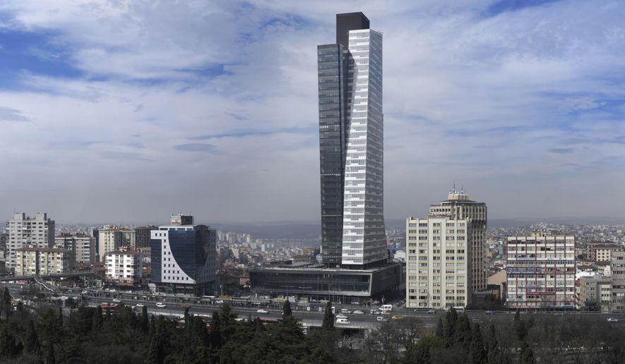 12_-_Trump_Towers_Istanbul_c57-0-1863-1053_s885x516